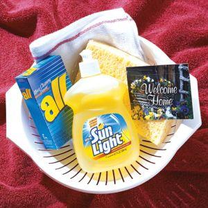 Kitchen Essentials Colander Move in Gift